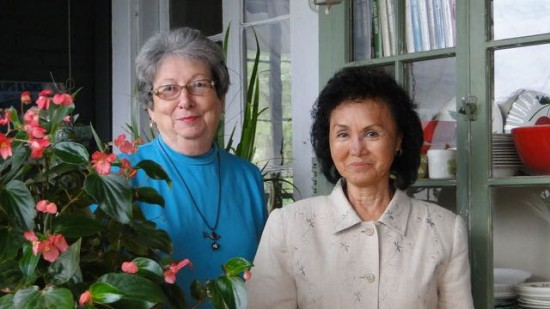 Gloria Farmer and Sue Ban