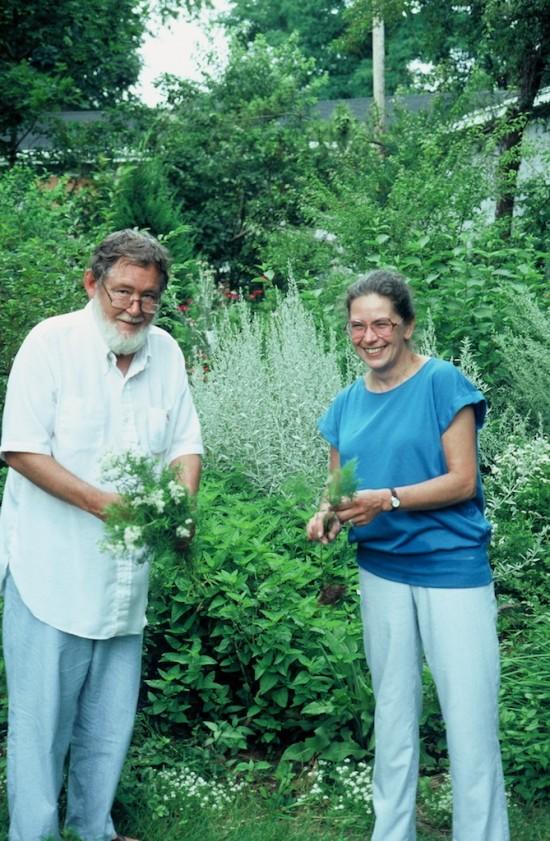 Allen and Hella Lacy in their garden in 1988.