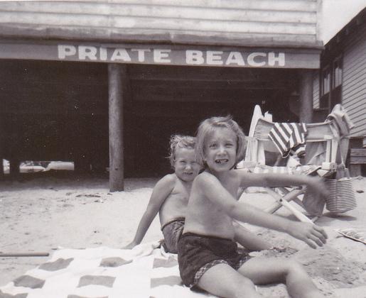 Priate Beach-001