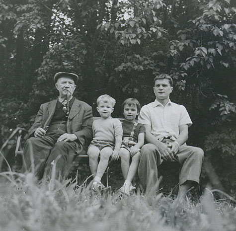 Last day in Europe, 1960: (l-r) Grandfather Franz Bluemel, son Andre, daughter Catherine, and Kurt