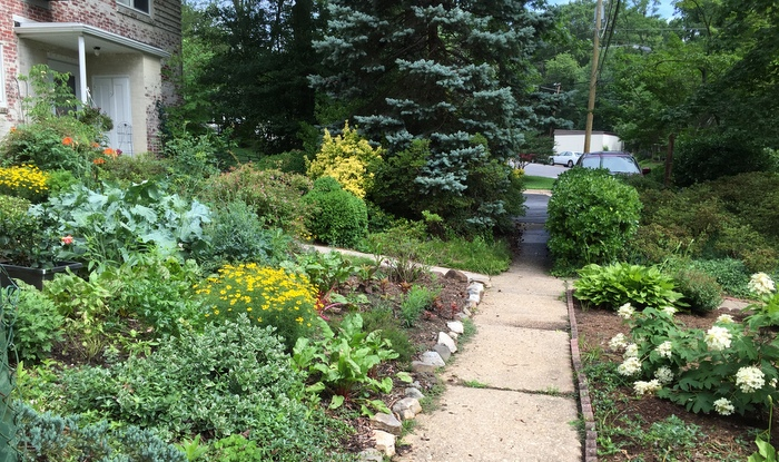 Homes and gardens of Old Greenbelt, Maryland