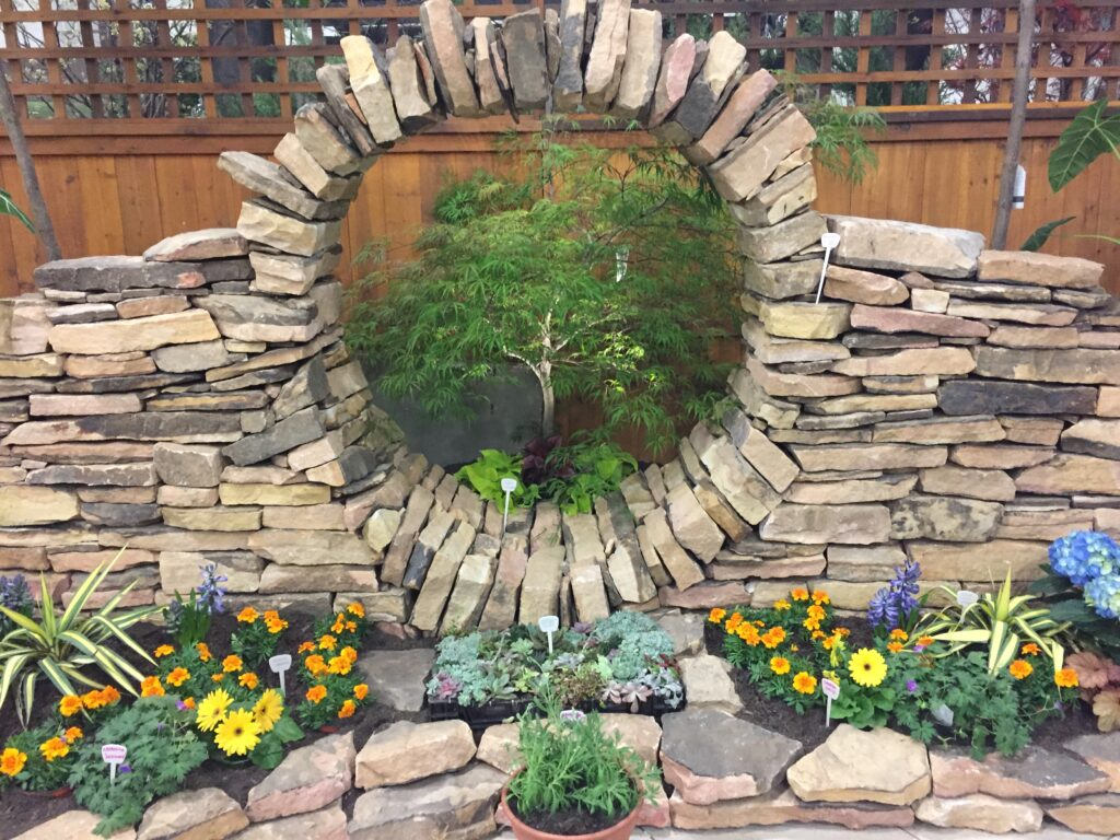 A world of meh (with notable exceptions): the midsize garden show