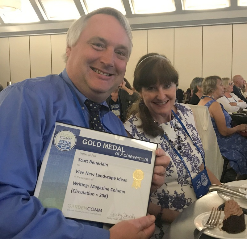 Scott Beuerlein wins award a Garden Writers Conference 2019 and wife Michele